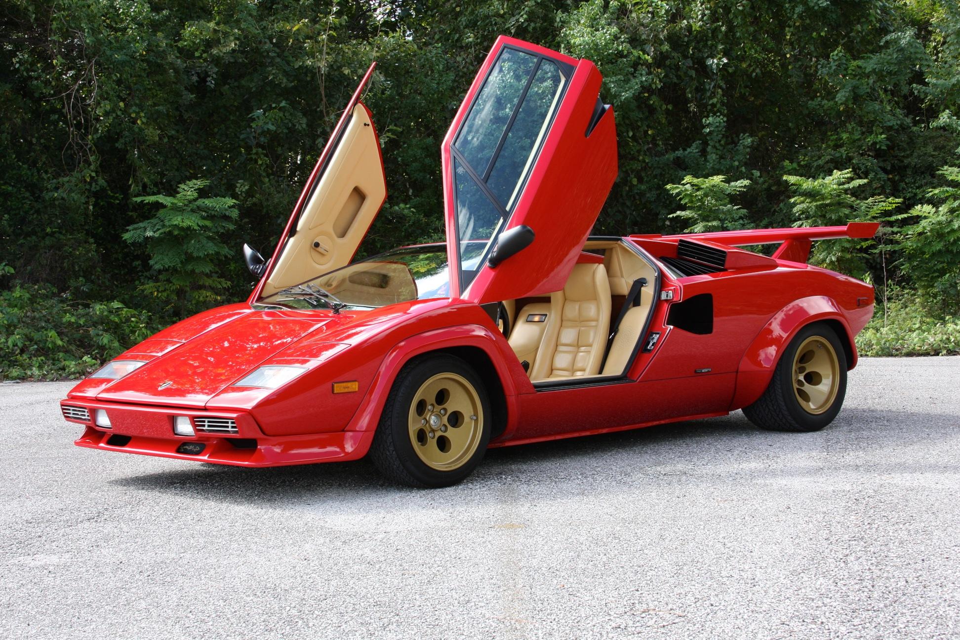 1983 Lamborghini Countach (CLA12540) - 17.jpg