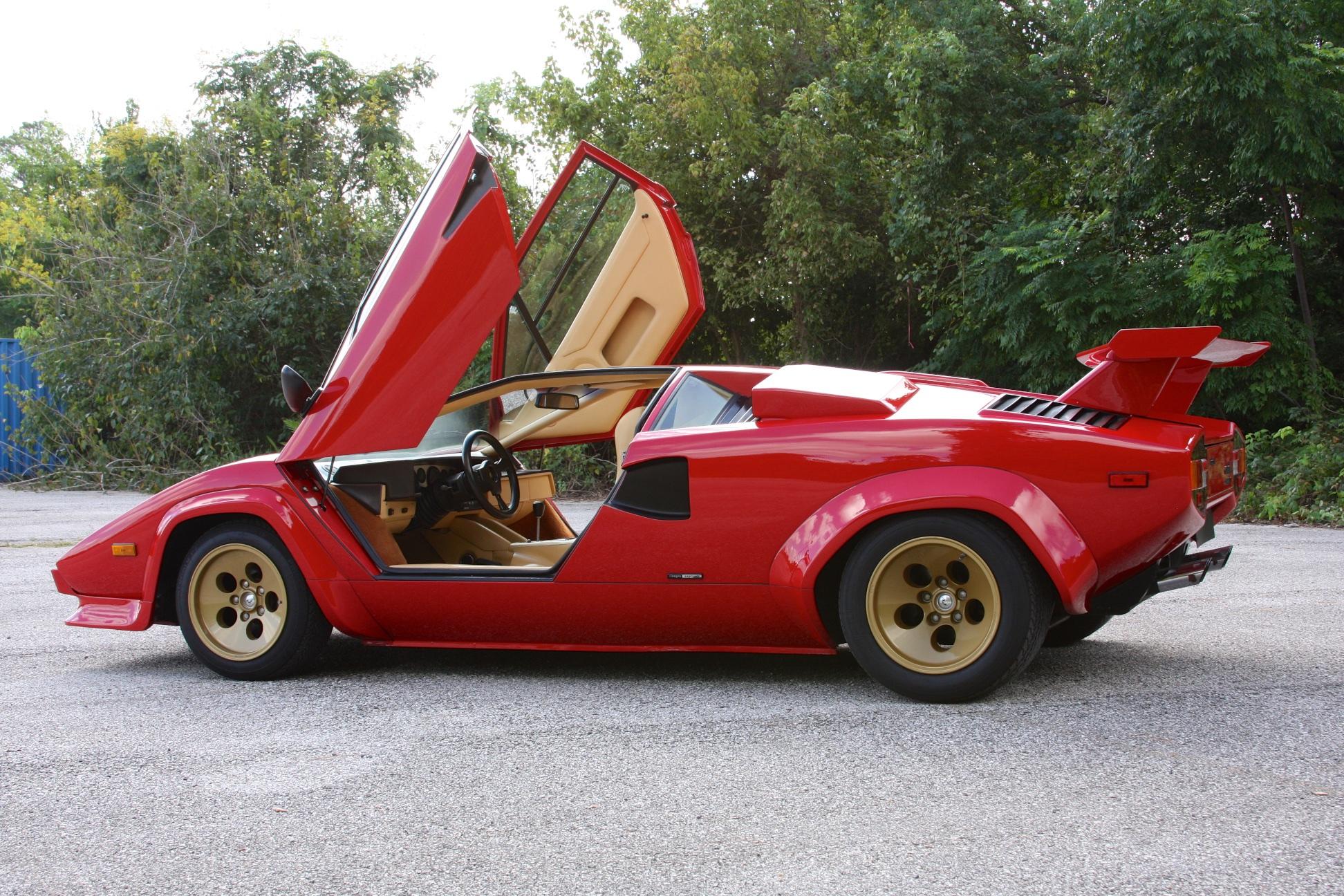 1983 Lamborghini Countach (CLA12540) - 19.jpg