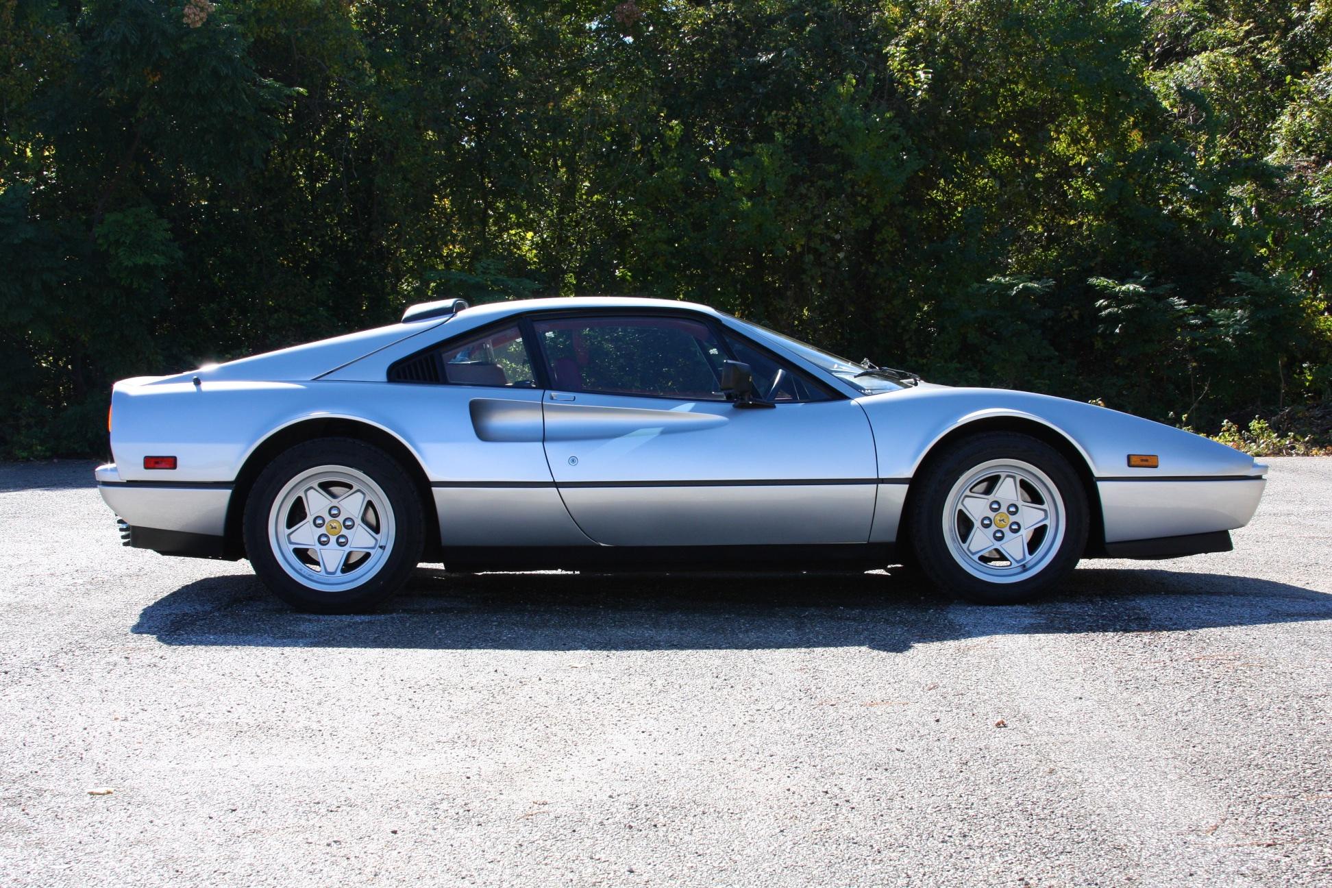 1988 Ferrari 328 GTB (J0075912) - 02.jpg