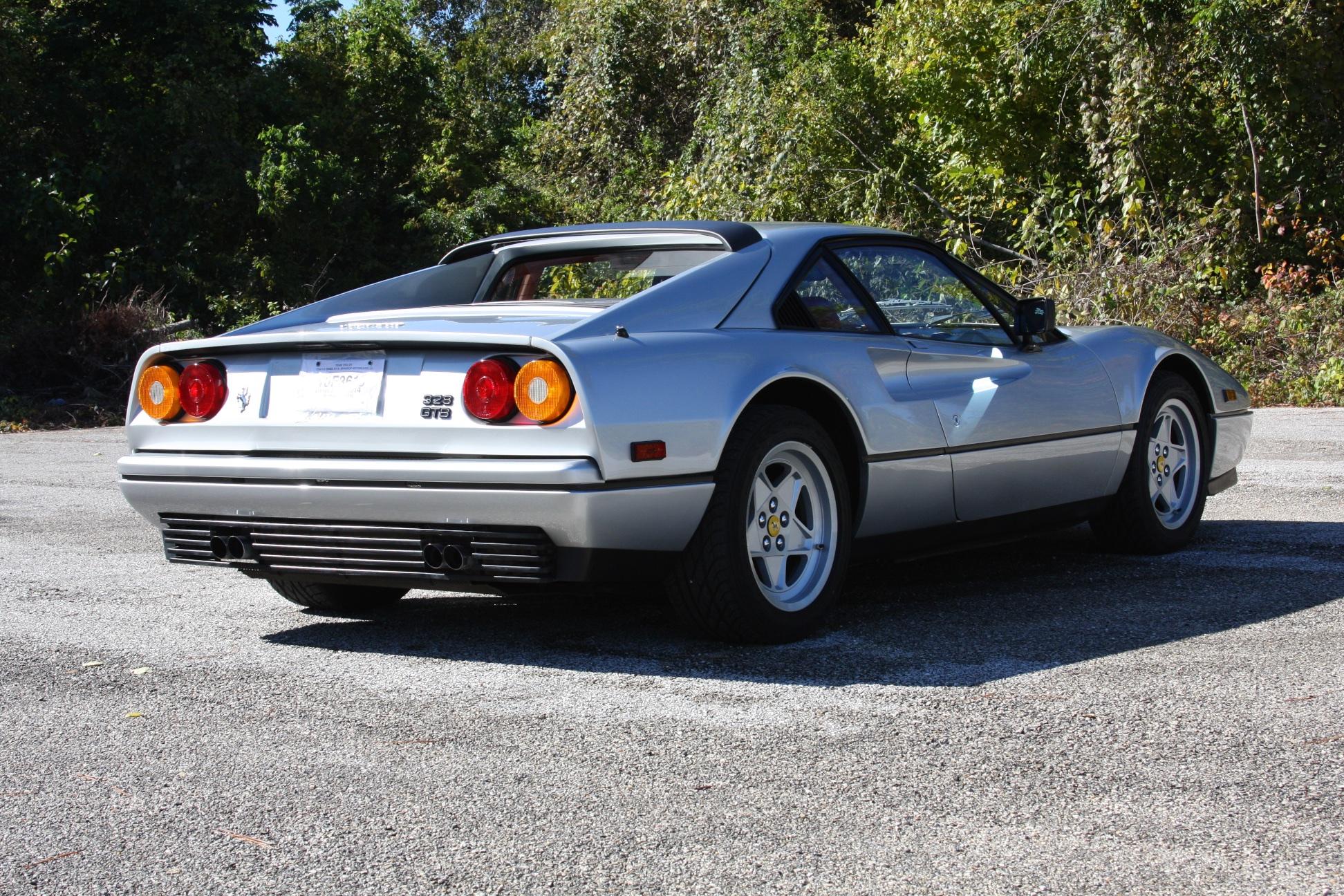 1988 Ferrari 328 GTB (J0075912) - 04.jpg