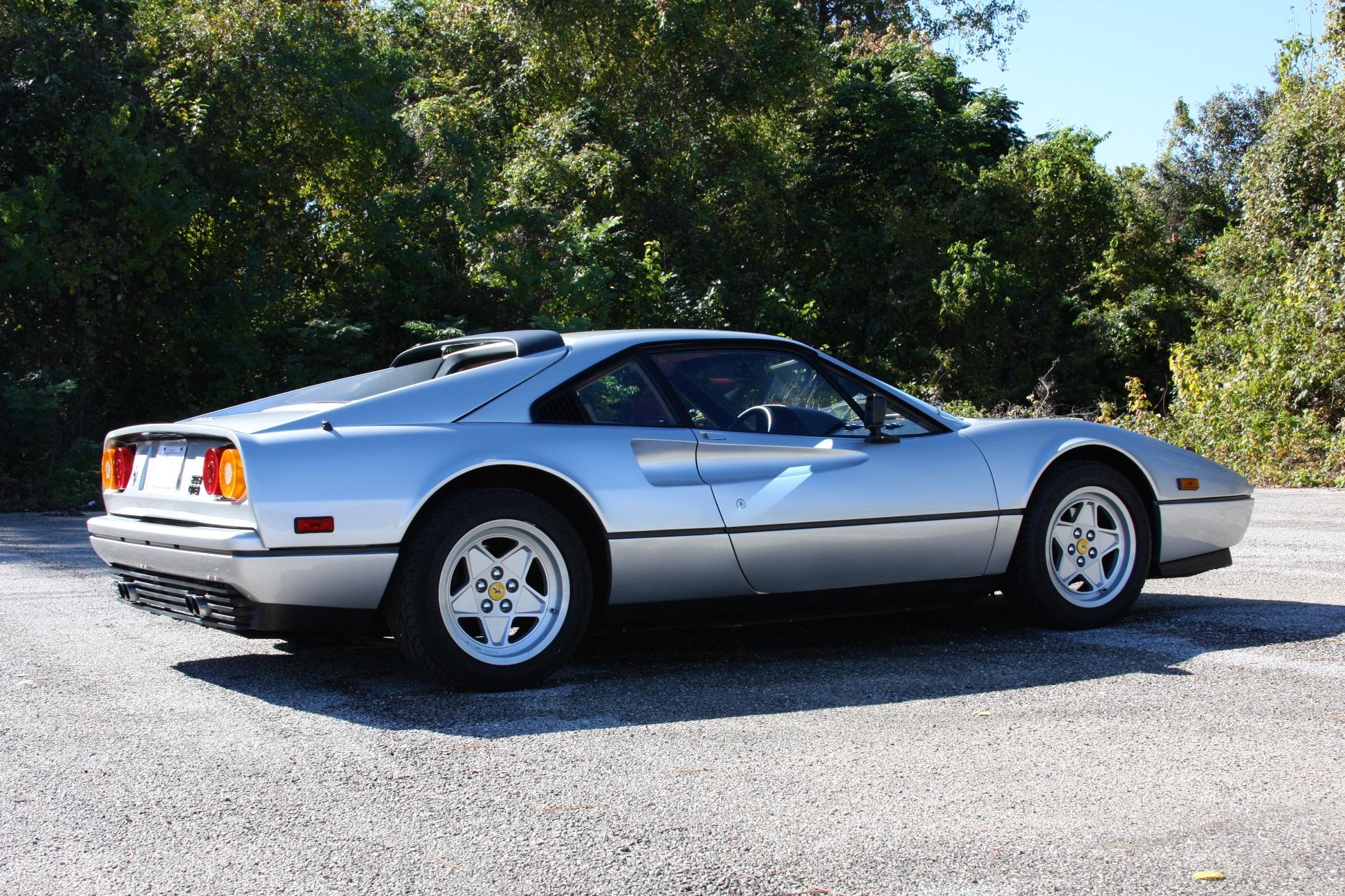 1988 Ferrari 328 GTB (J0075912) - 03.jpg