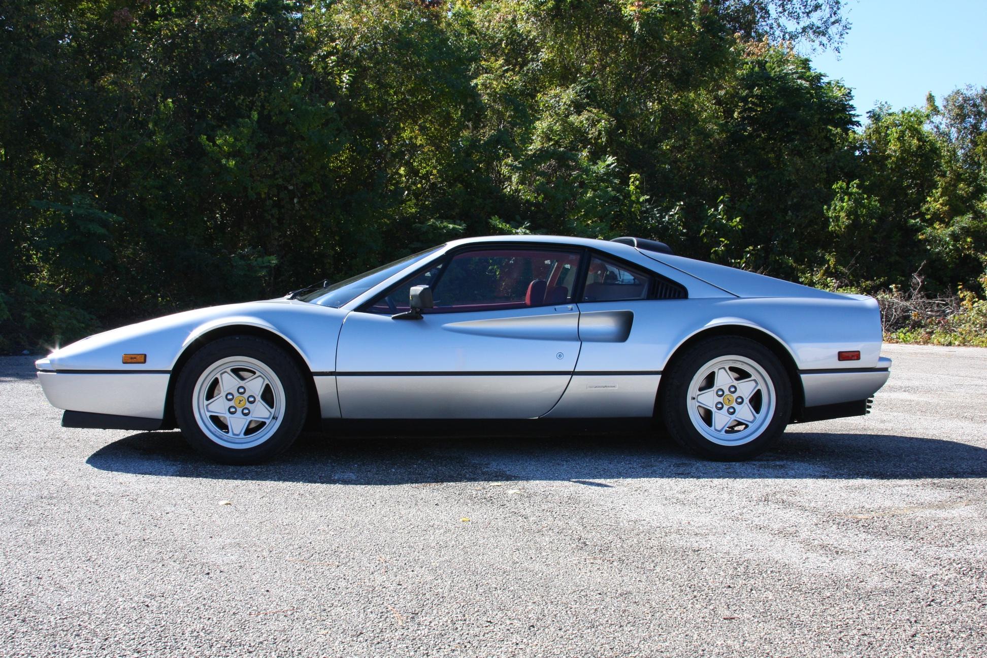 1988 Ferrari 328 GTB (J0075912) - 08.jpg