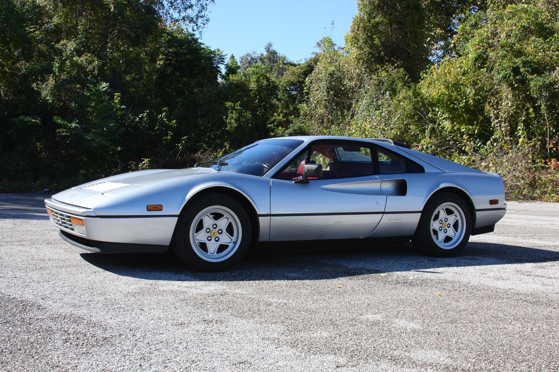1988 Ferrari 328 GTB (J0075912) - 09.jpg