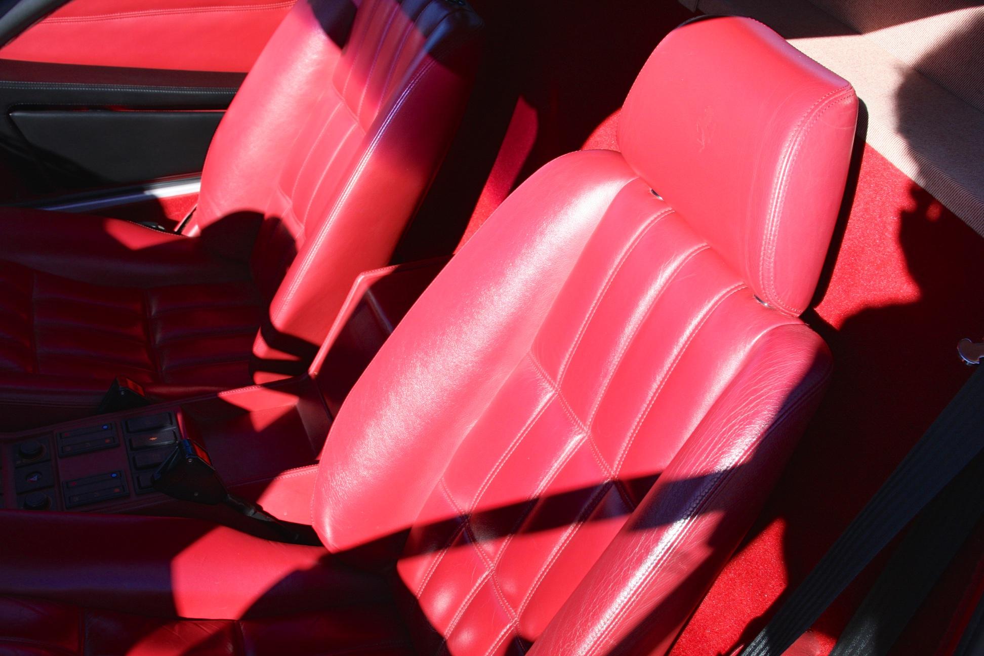 1988 Ferrari 328 GTB (J0075912) - 17.jpg