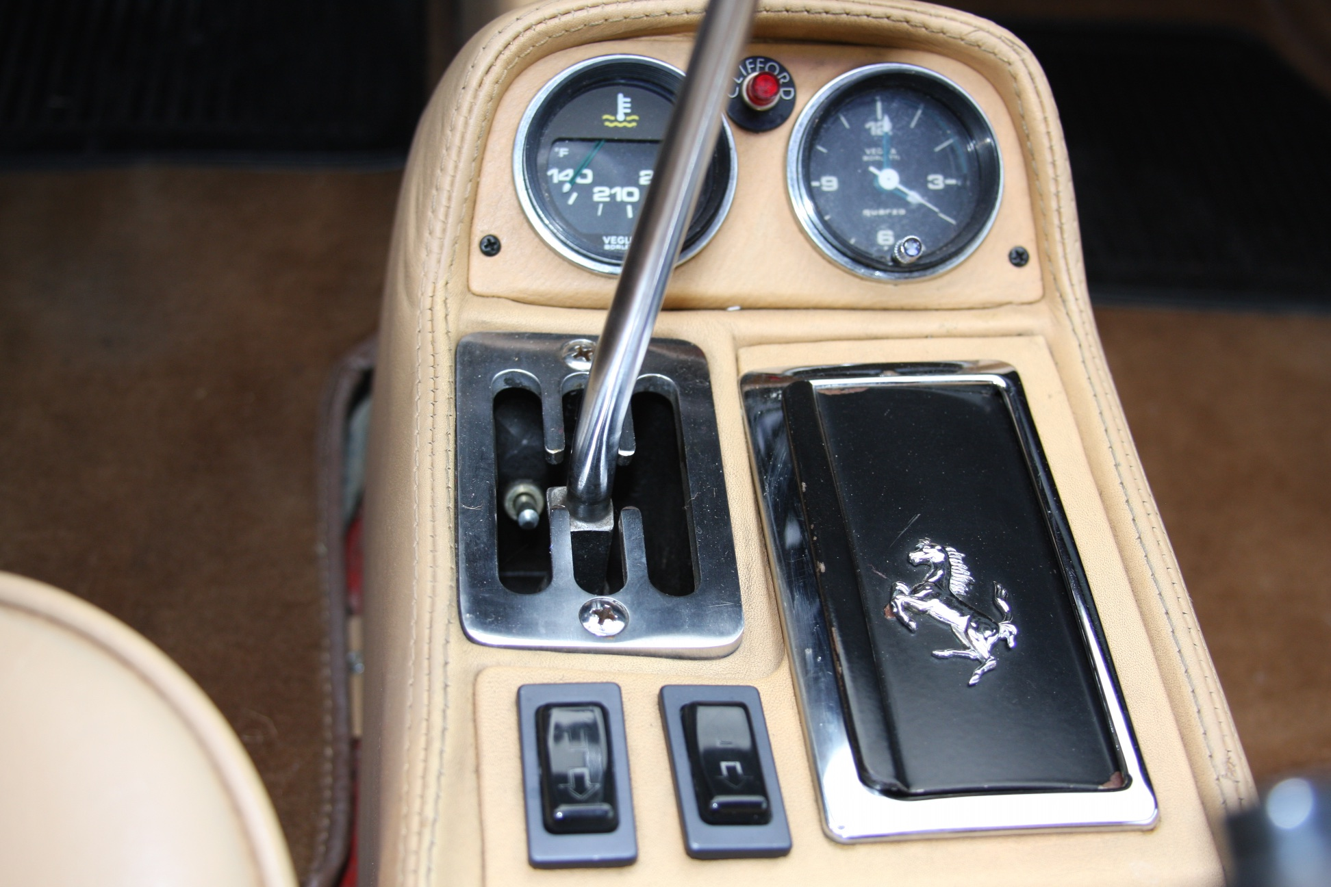 1985 Ferrari 308 GTS (F0055601) 15.jpg