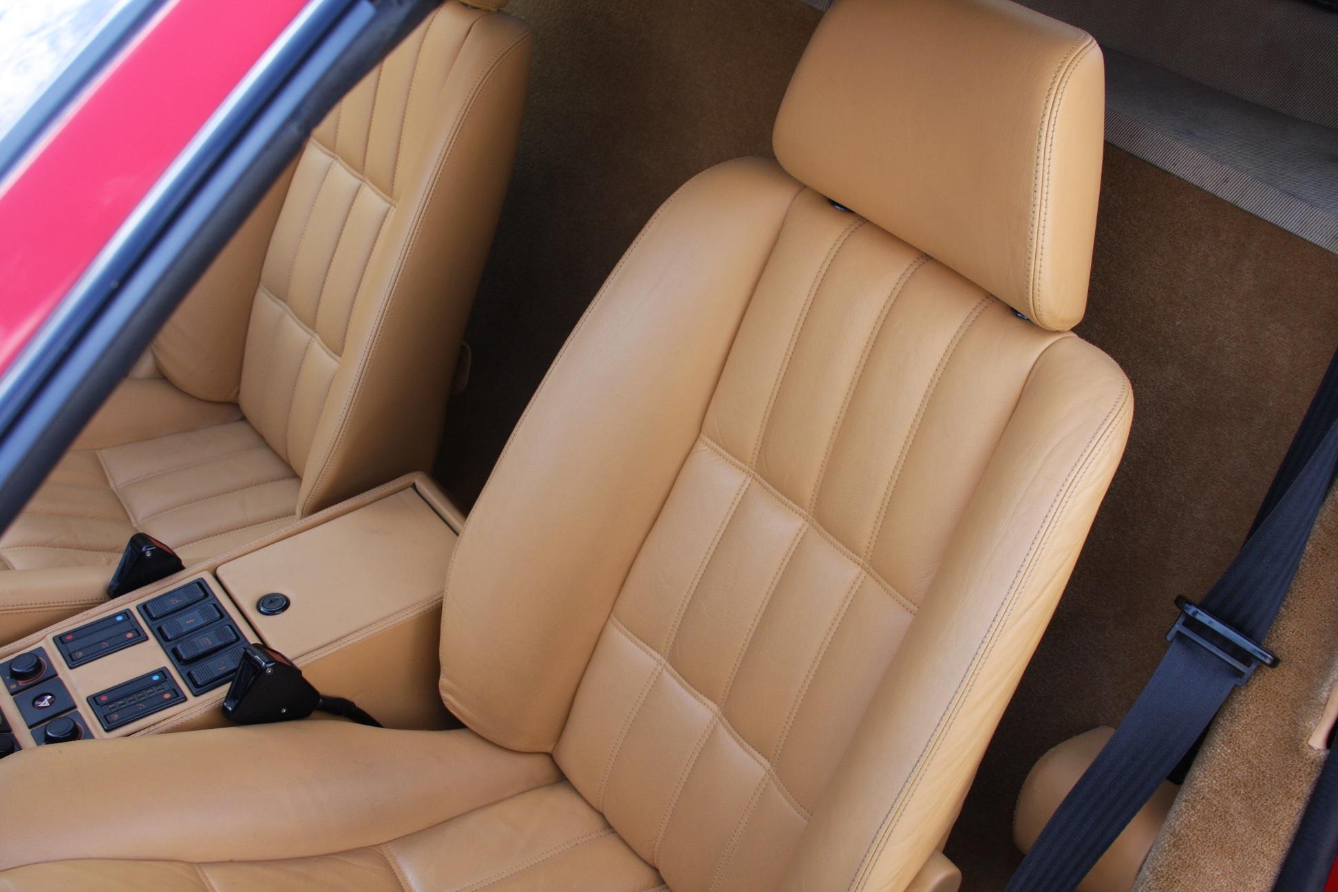 1988 Ferrari 328 GTS (J0075955) 10.jpg