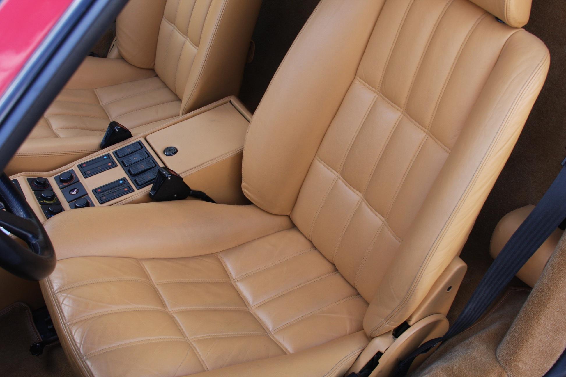 1988 Ferrari 328 GTS (J0075955) 11.jpg