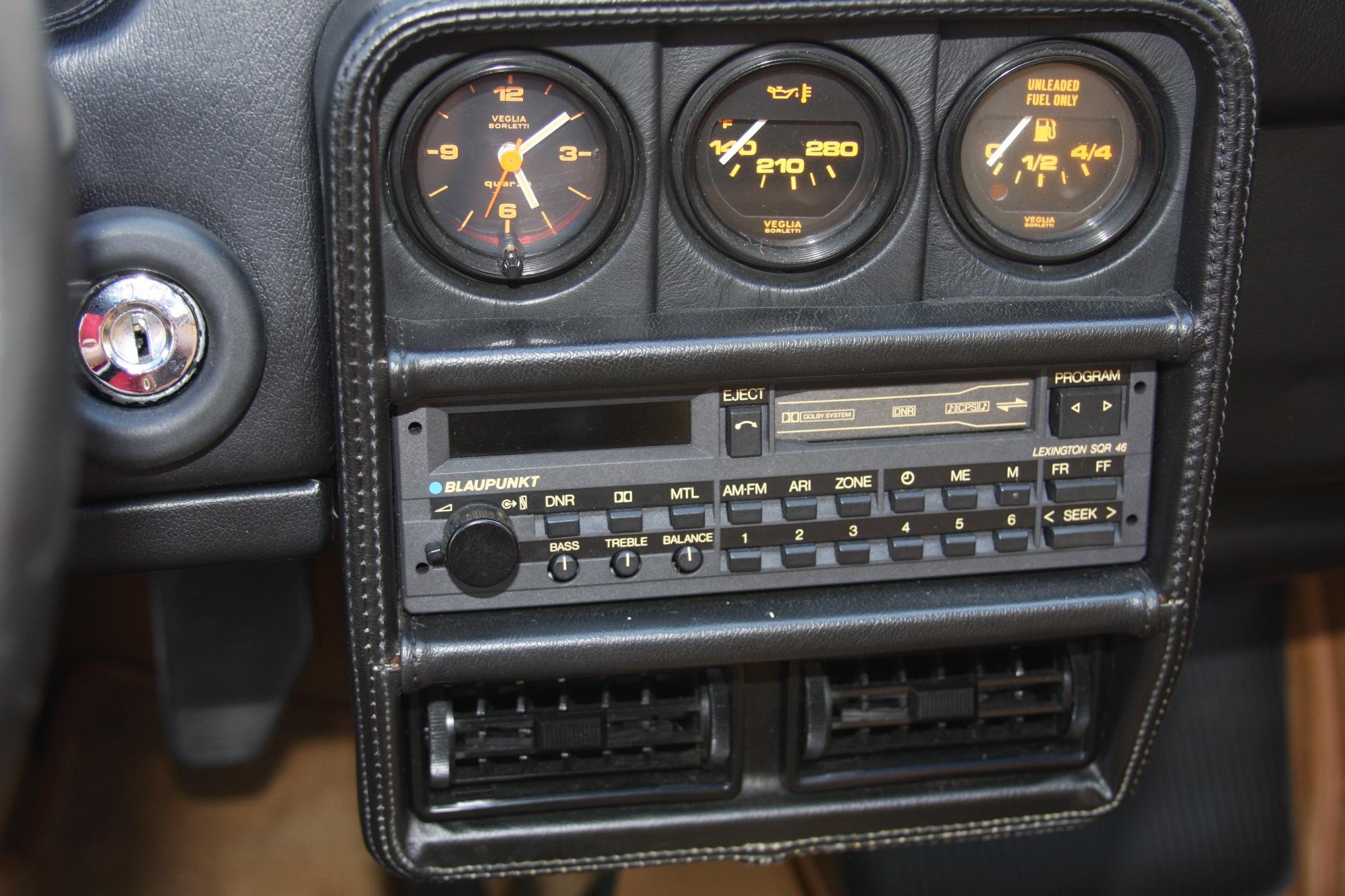 1988 Ferrari 328 GTS (J0075955) 14.jpg