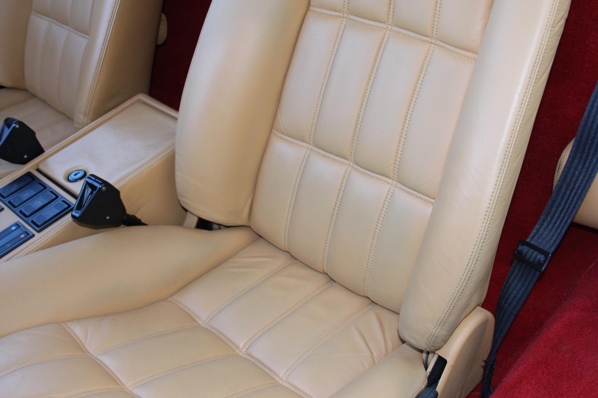 1989 Ferrari 328 GTS (K0080192) 14.jpg