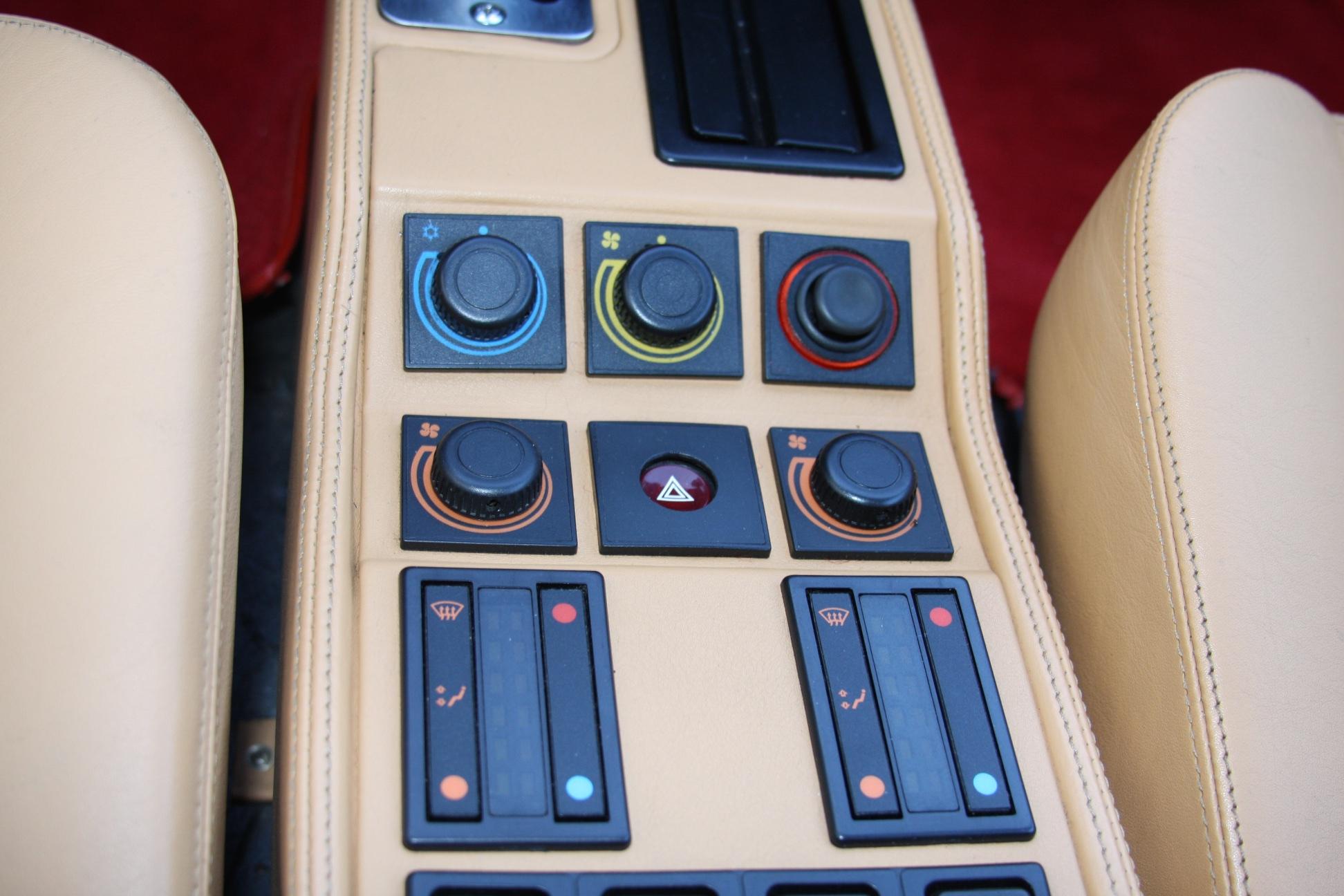 1989 Ferrari 328 GTS (K0080192) 19.jpg