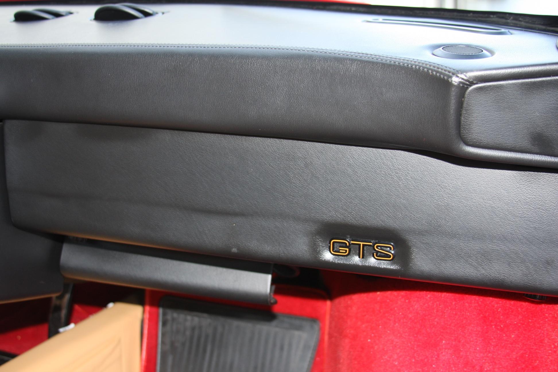 1989 Ferrari 328 GTS (K0080192) 25.jpg