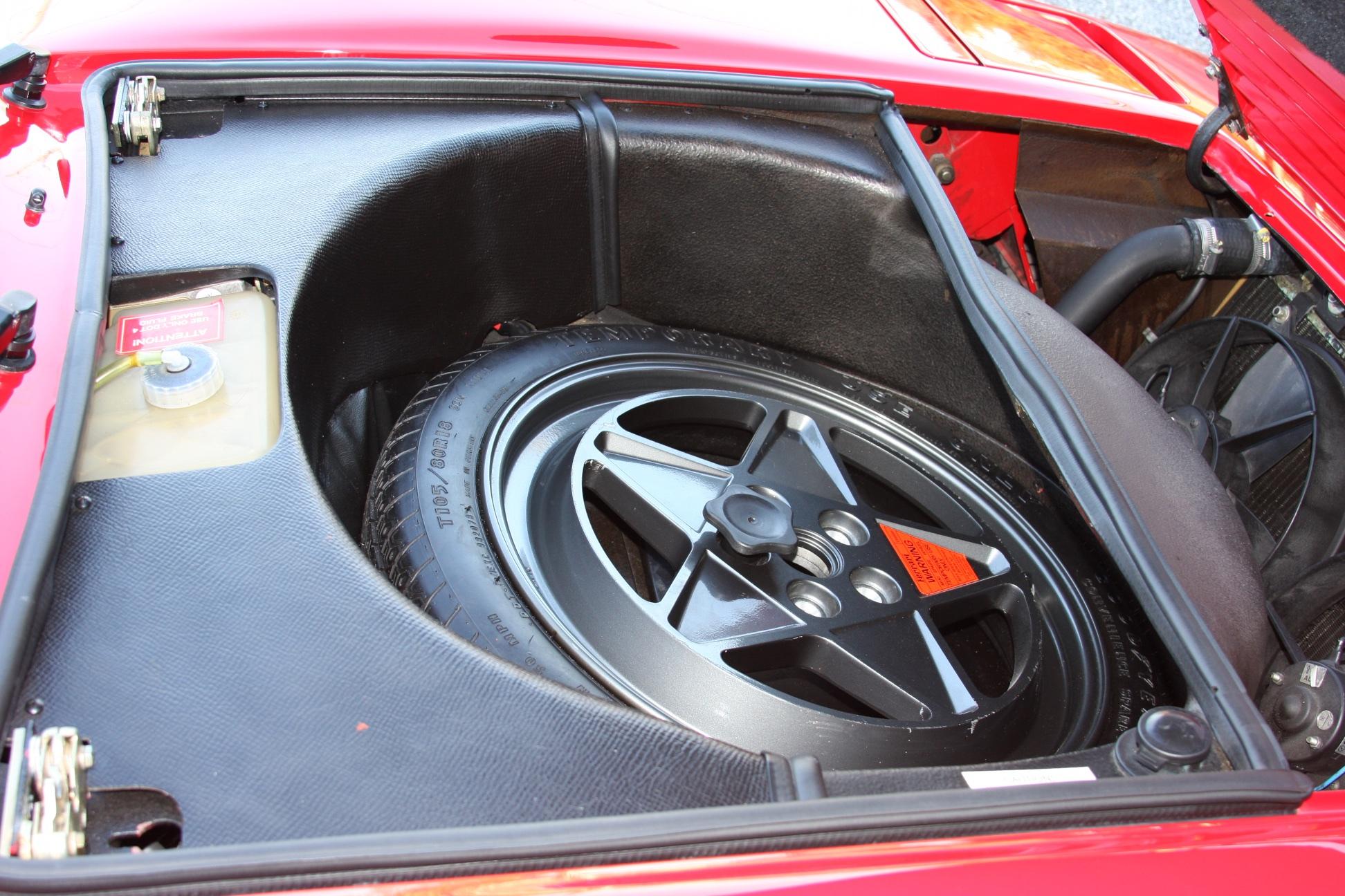 1989 Ferrari 328 GTS (K0080192) 32.jpg