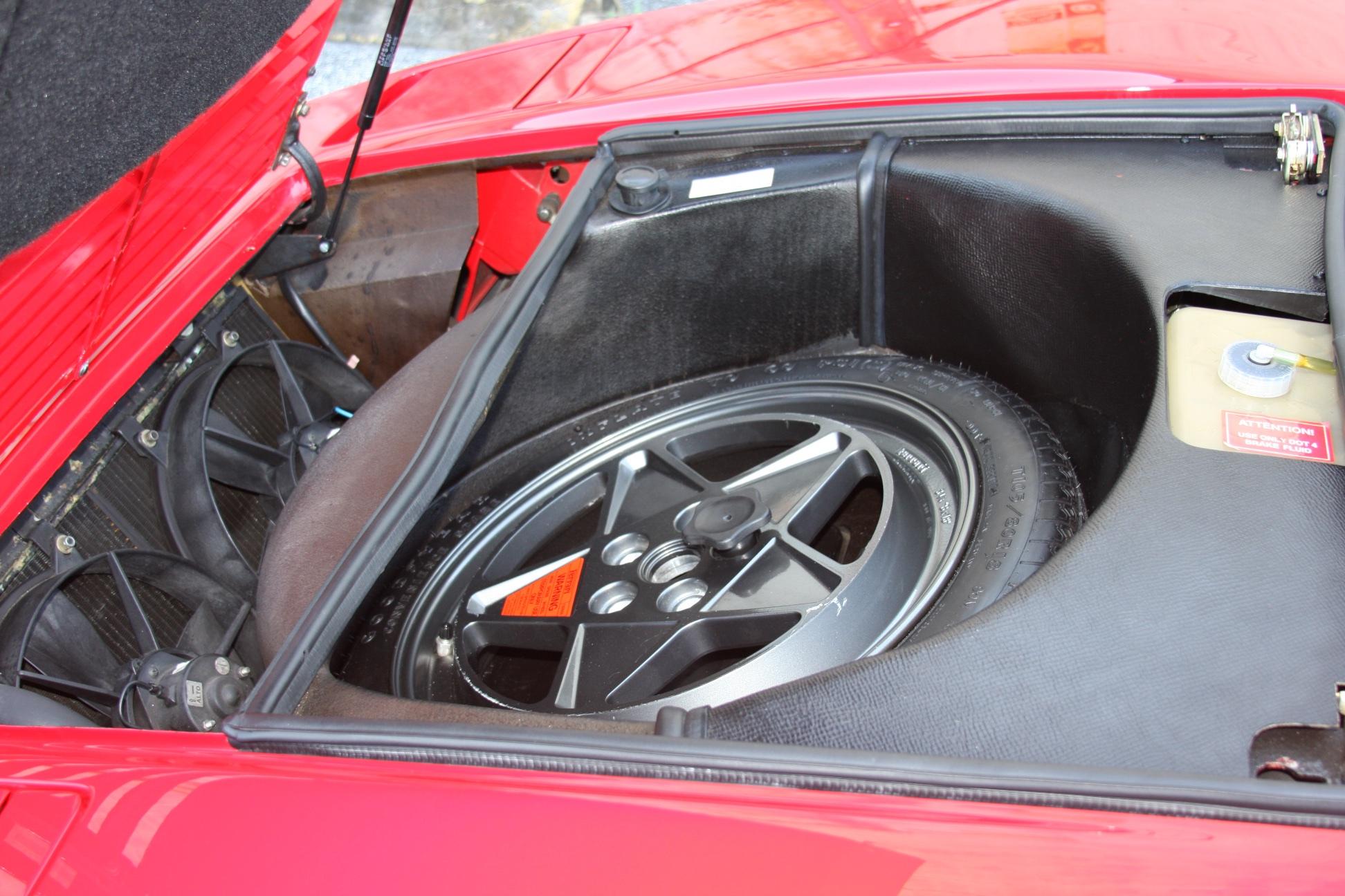 1989 Ferrari 328 GTS (K0080192) 33.jpg