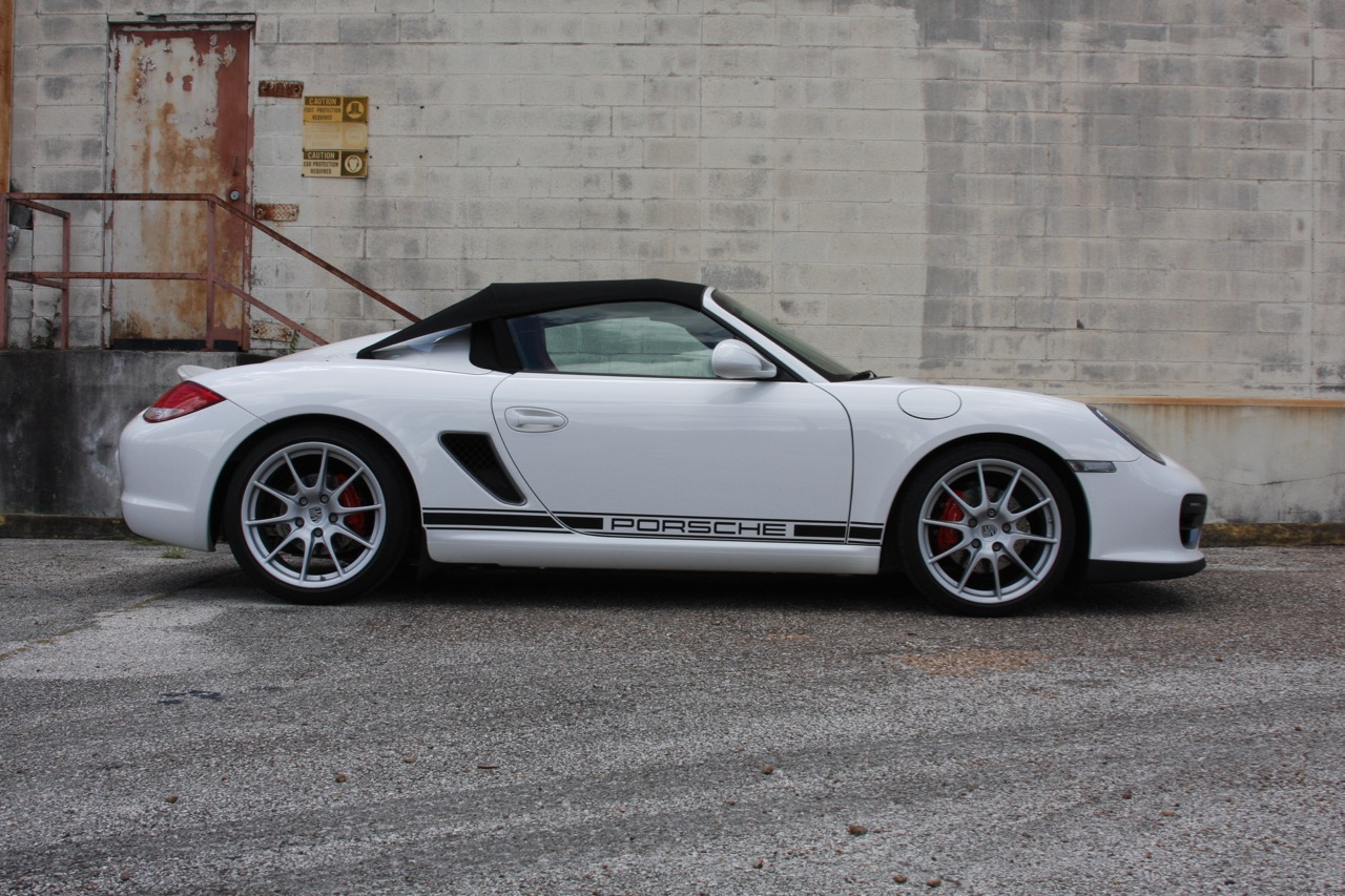 2011 Porsche Boxster Spyder (White-Red) - 02 of 27.jpg