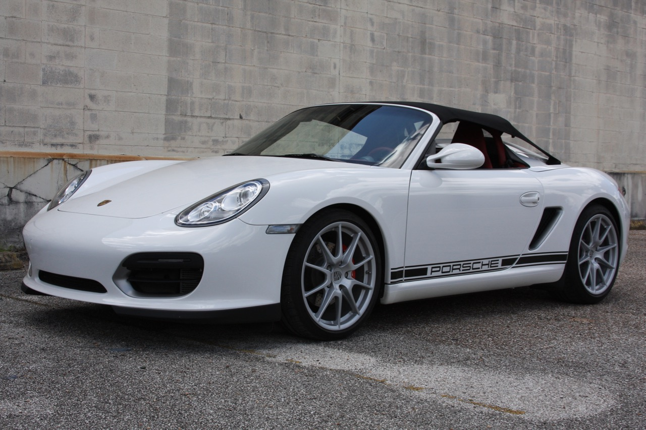 2011 Porsche Boxster Spyder (White-Red) - 06 of 27.jpg