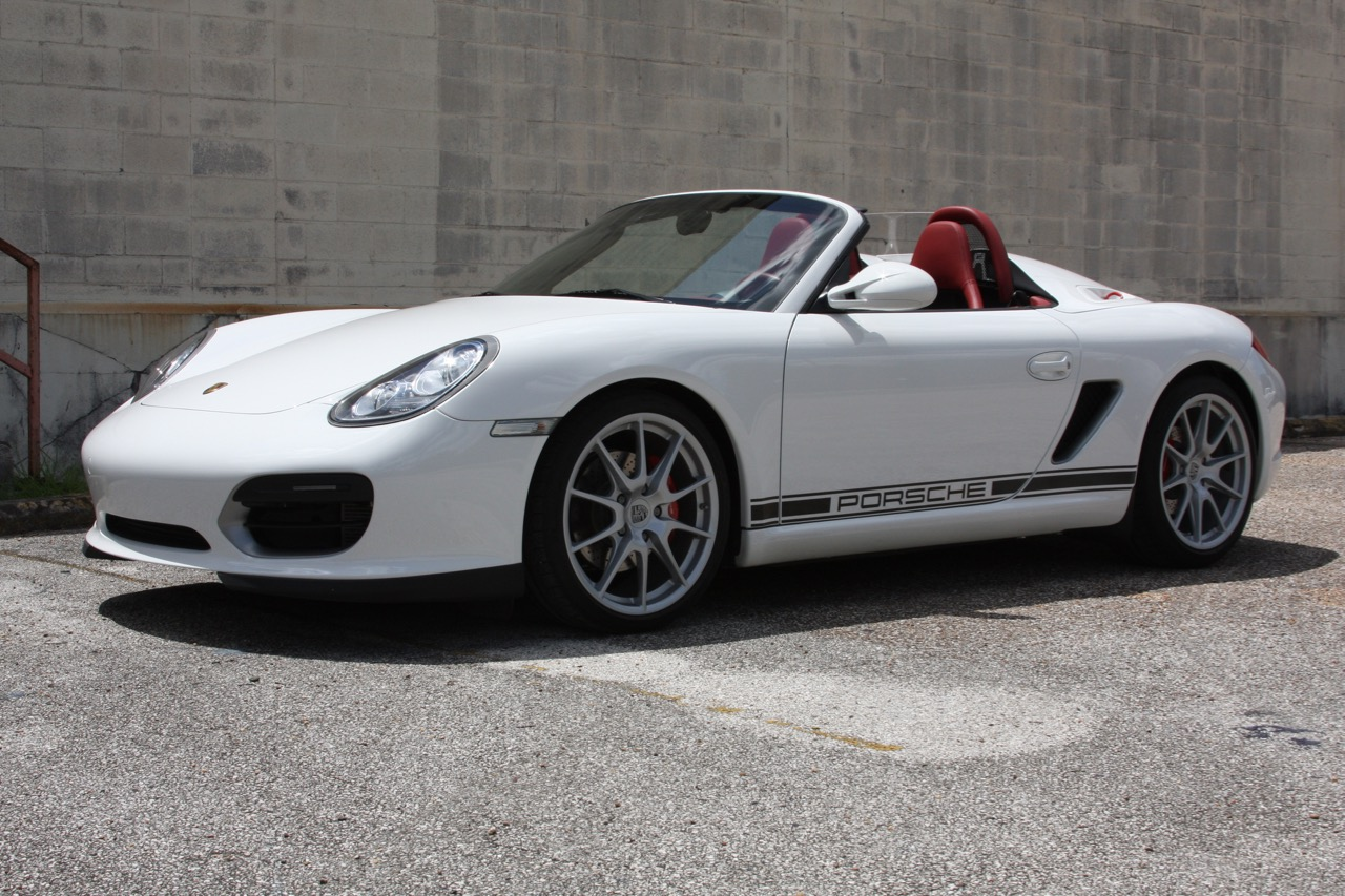 2011 Porsche Boxster Spyder (White-Red) - 12 of 27.jpg