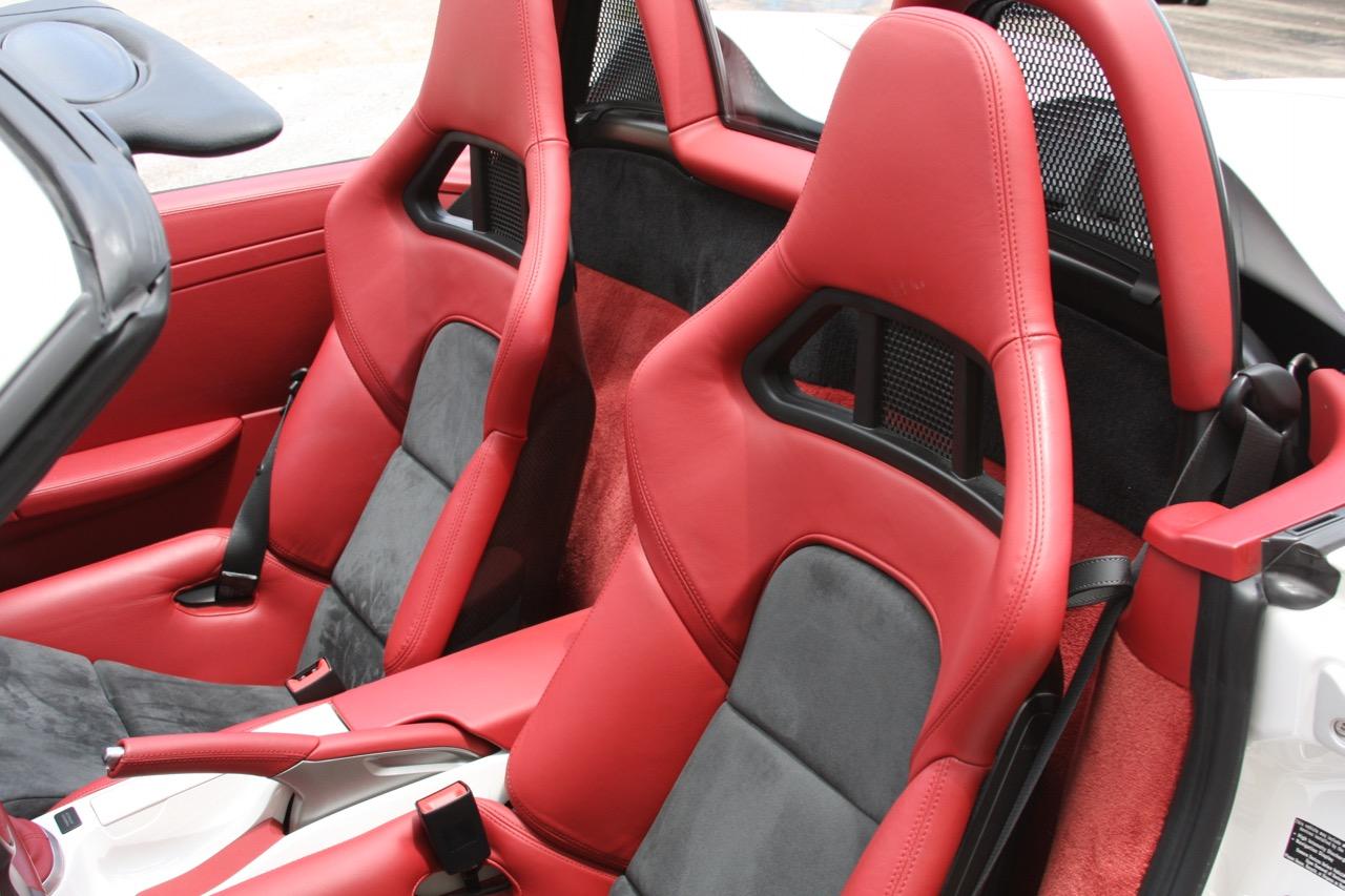 2011 Porsche Boxster Spyder (White-Red) - 16 of 27.jpg