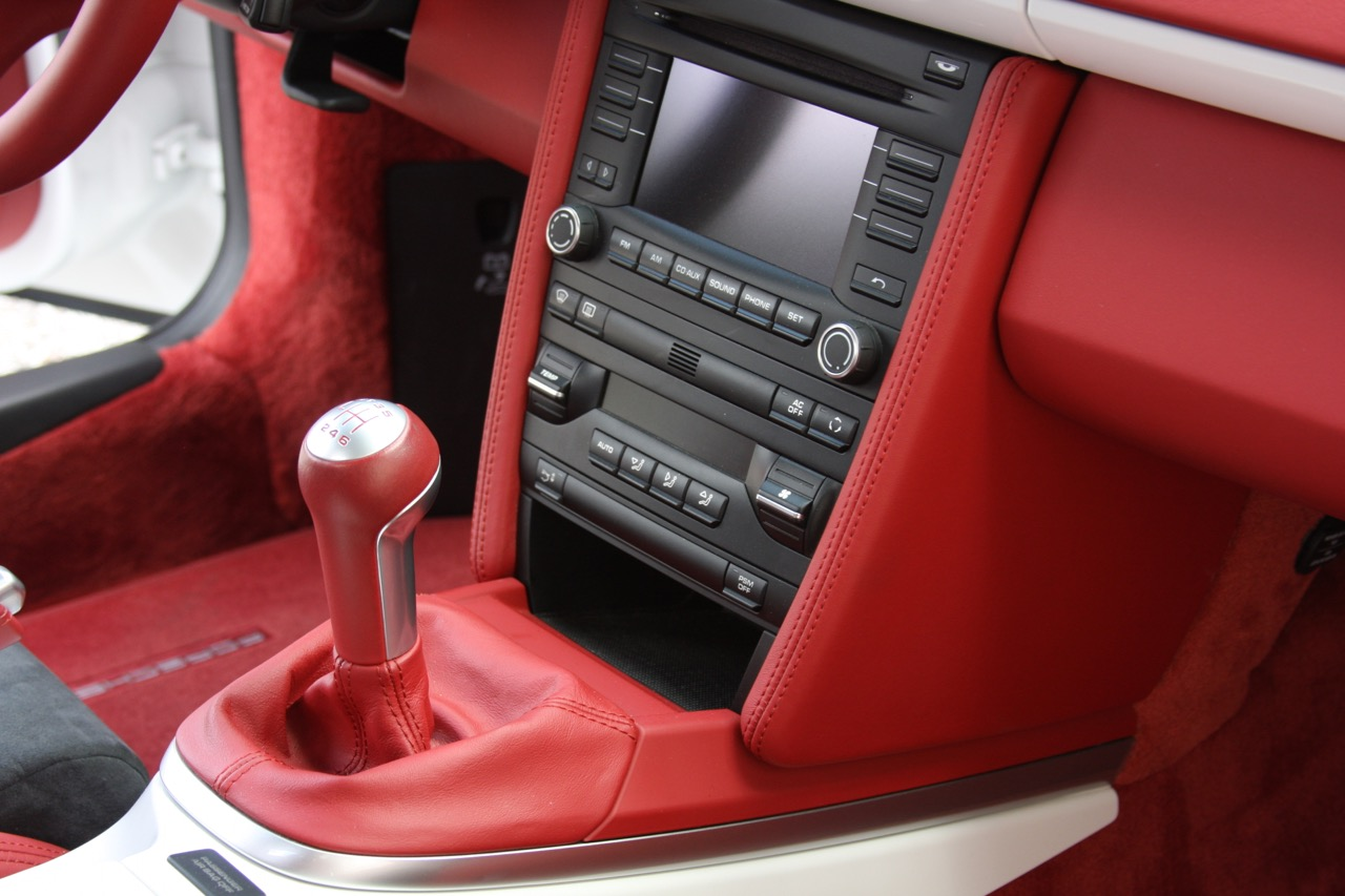 2011 Porsche Boxster Spyder (White-Red) - 23 of 27.jpg