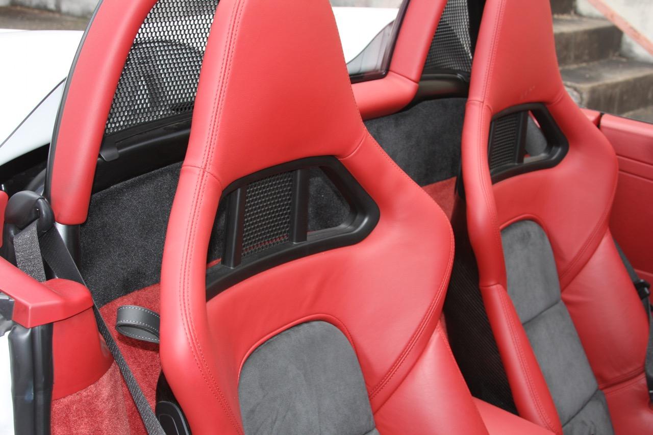 2011 Porsche Boxster Spyder (White-Red) - 24 of 27.jpg