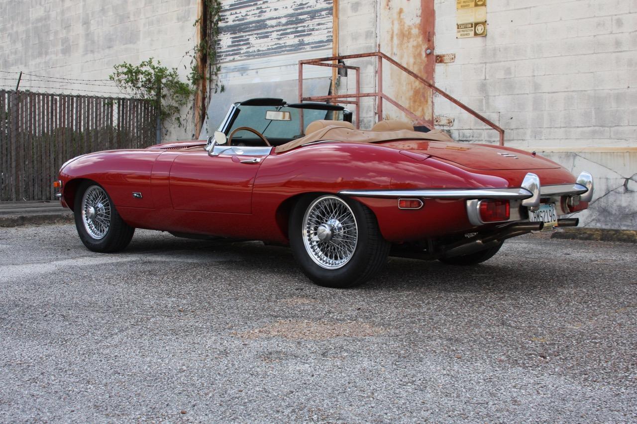 1971 Jaguar E-Type - 05 of 30.jpg