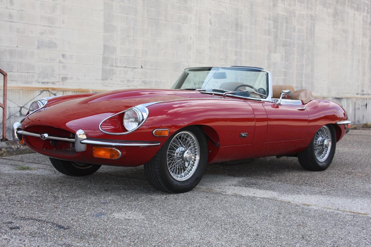 1971 Jaguar E-Type - 07 of 30.jpg