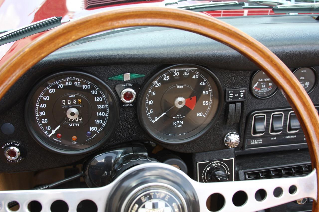 1971 Jaguar E-Type - 15 of 30.jpg