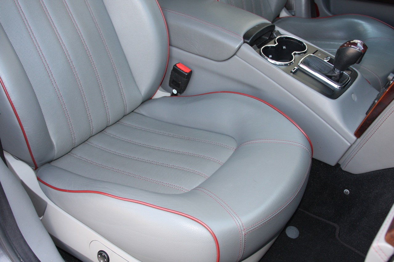 2008 Maserati Quattroporte - 23 of 33.jpg