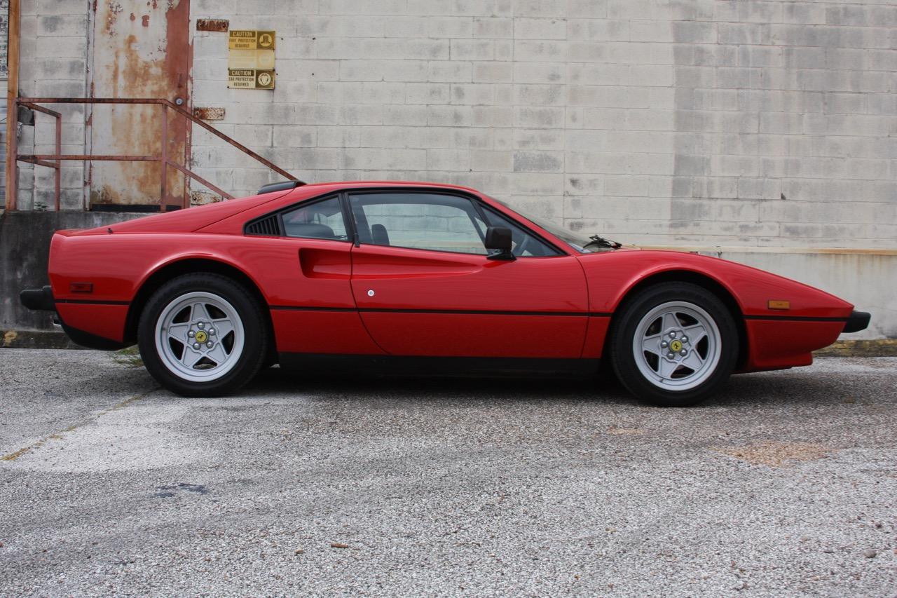 1985 Ferrari 308 GTB QV - 02 of 36.jpg