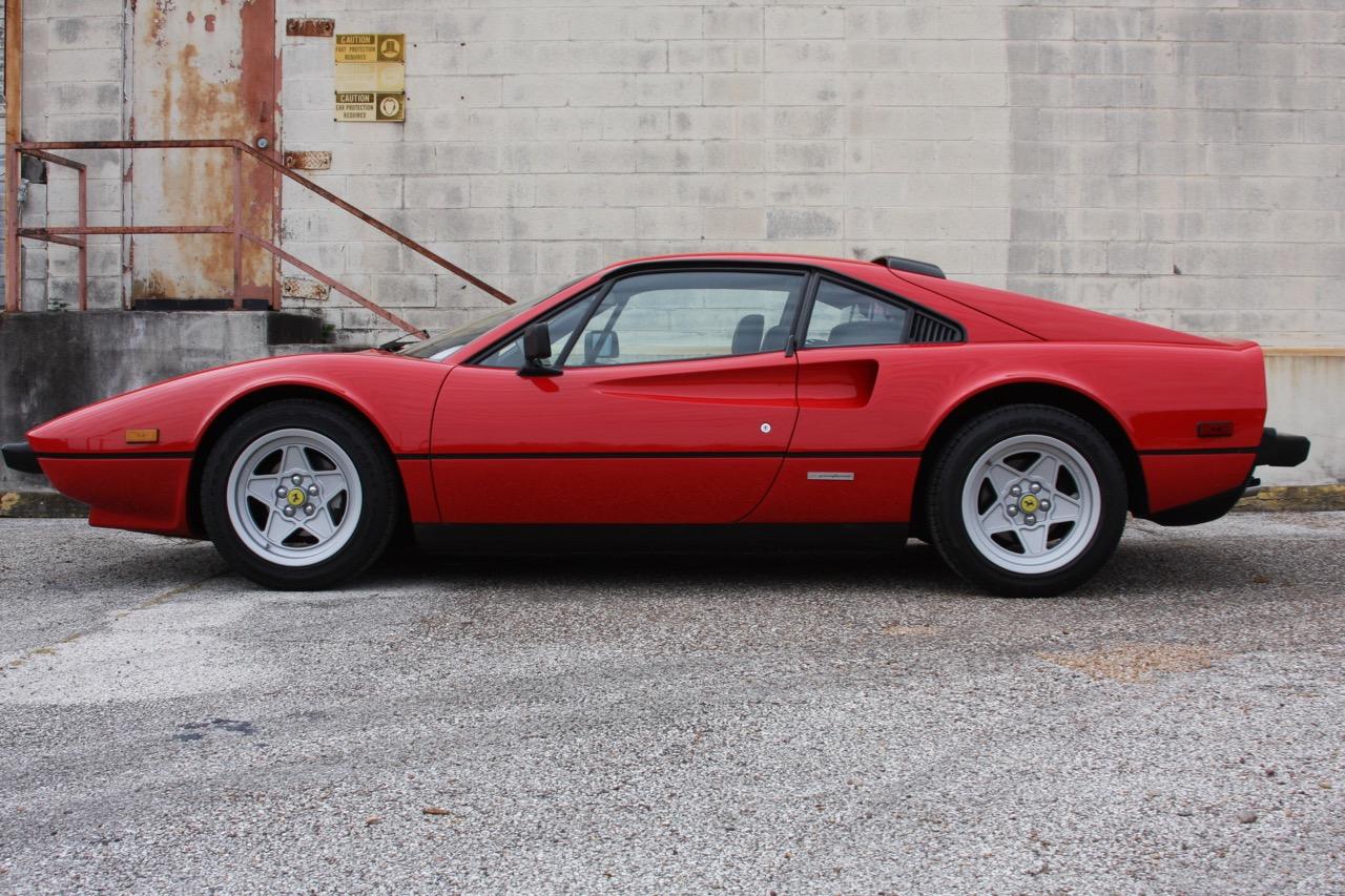 1985 Ferrari 308 GTB QV - 06 of 36.jpg