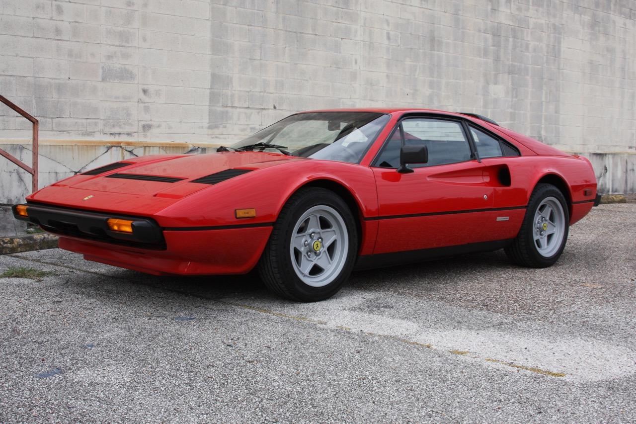 1985 Ferrari 308 GTB QV - 07 of 36.jpg