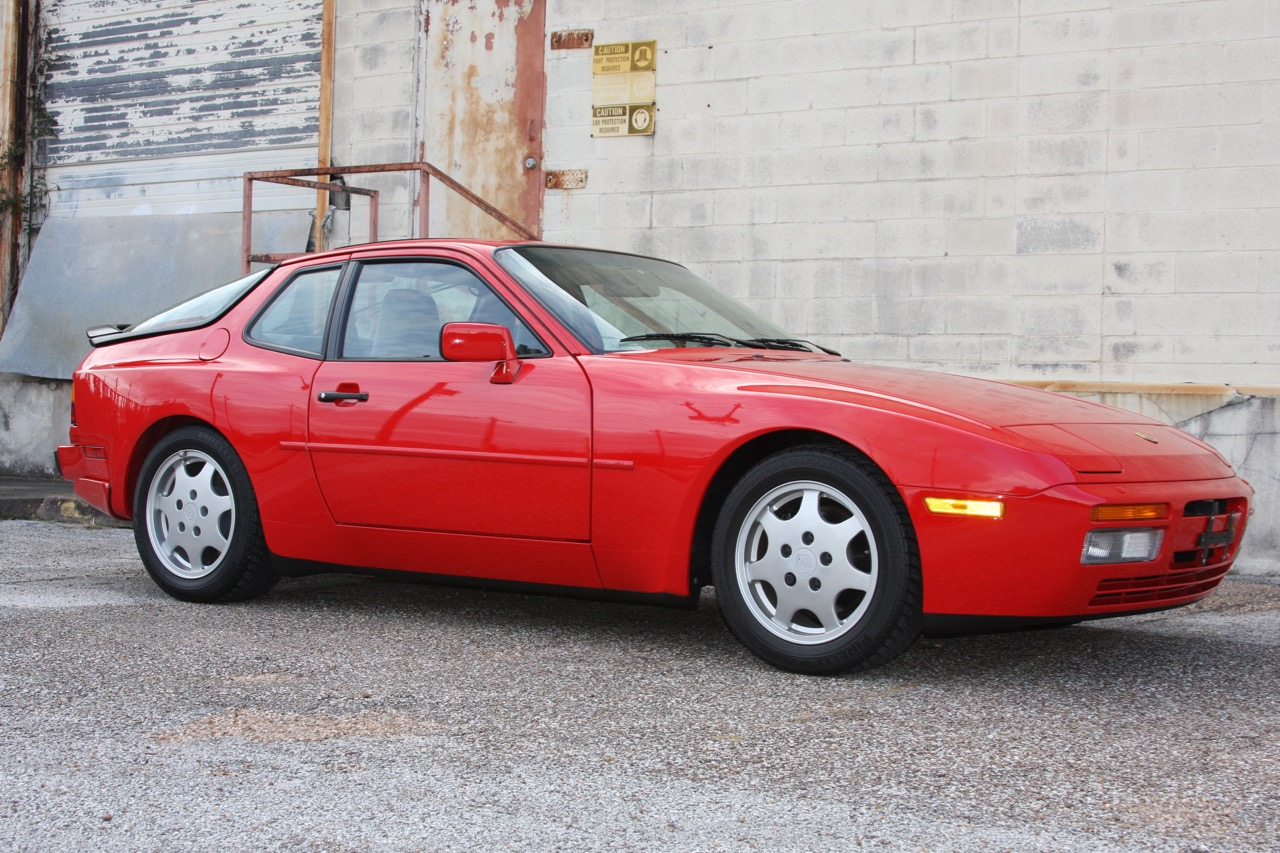 1991 Porsche 944 S2 - 01 of 35.jpg