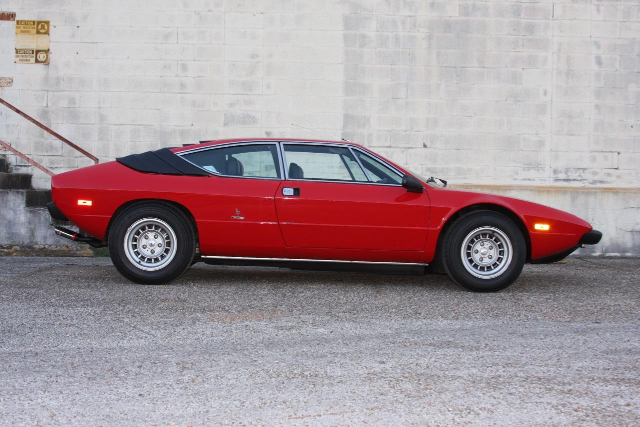 1975 Lamborghini Urraco P250 - 02 of 37.jpg