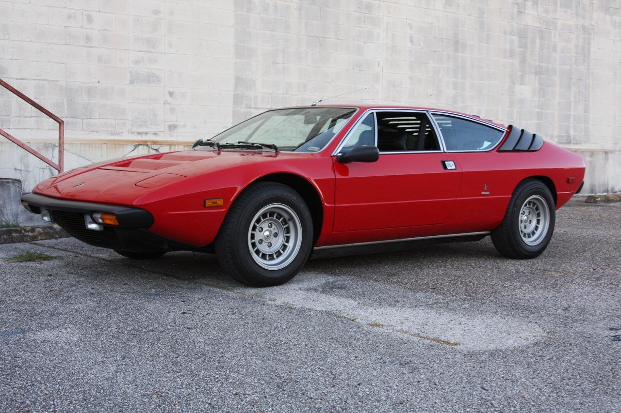 1975 Lamborghini Urraco P250 - 07 of 37.jpg