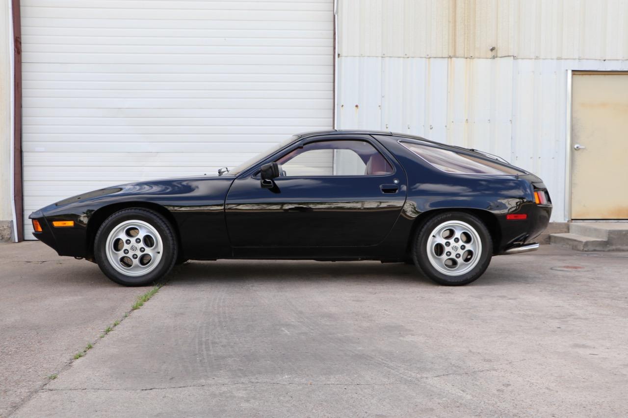 1979 Porsche 928 (699266837) - 02 of 30.jpg