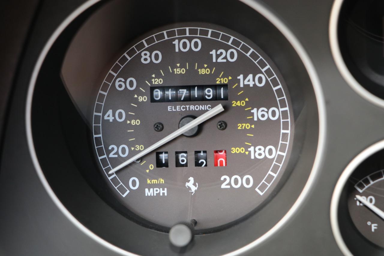 1998 Ferrari F355 Berlinetta F1 (W0112561) - 13 of 32.jpg