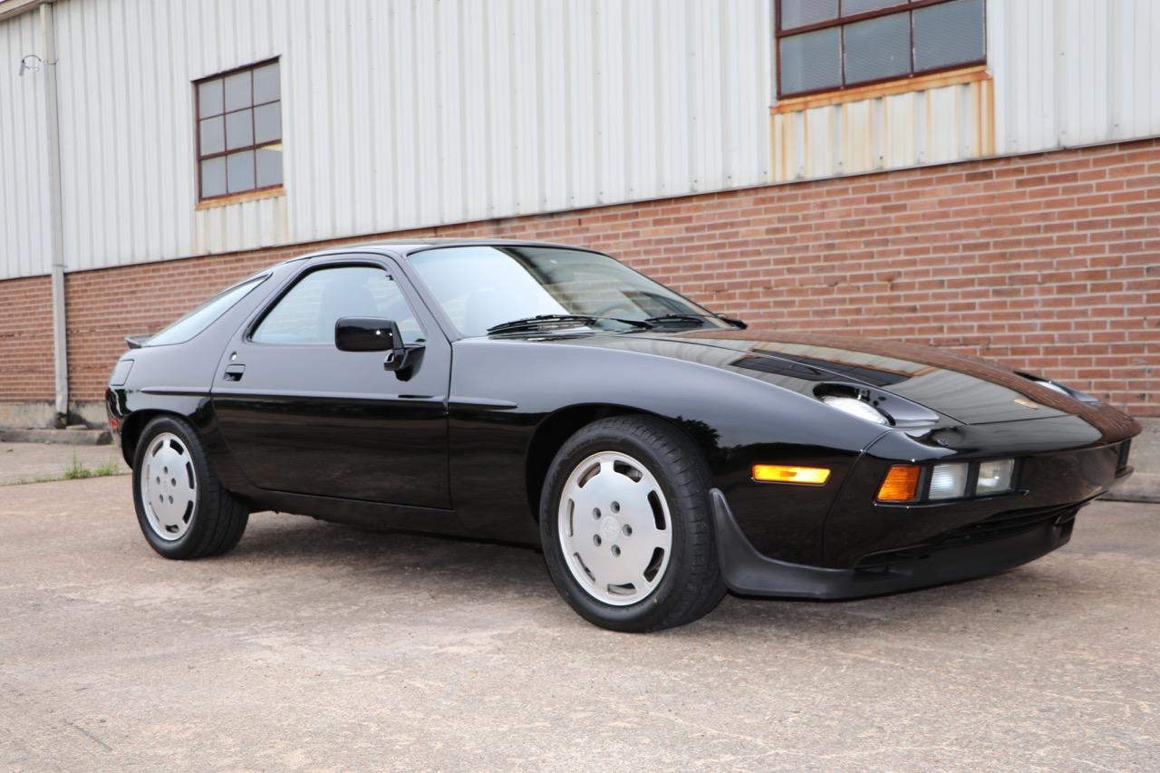 1986 Porsche 928S (GS860574) - 07 of 36.jpg