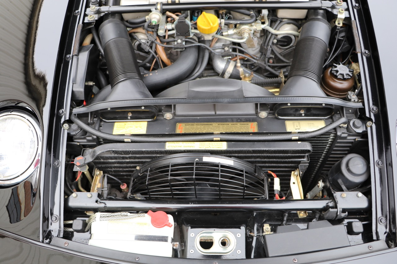 1986 Porsche 928S (GS860574) - 28 of 36.jpg