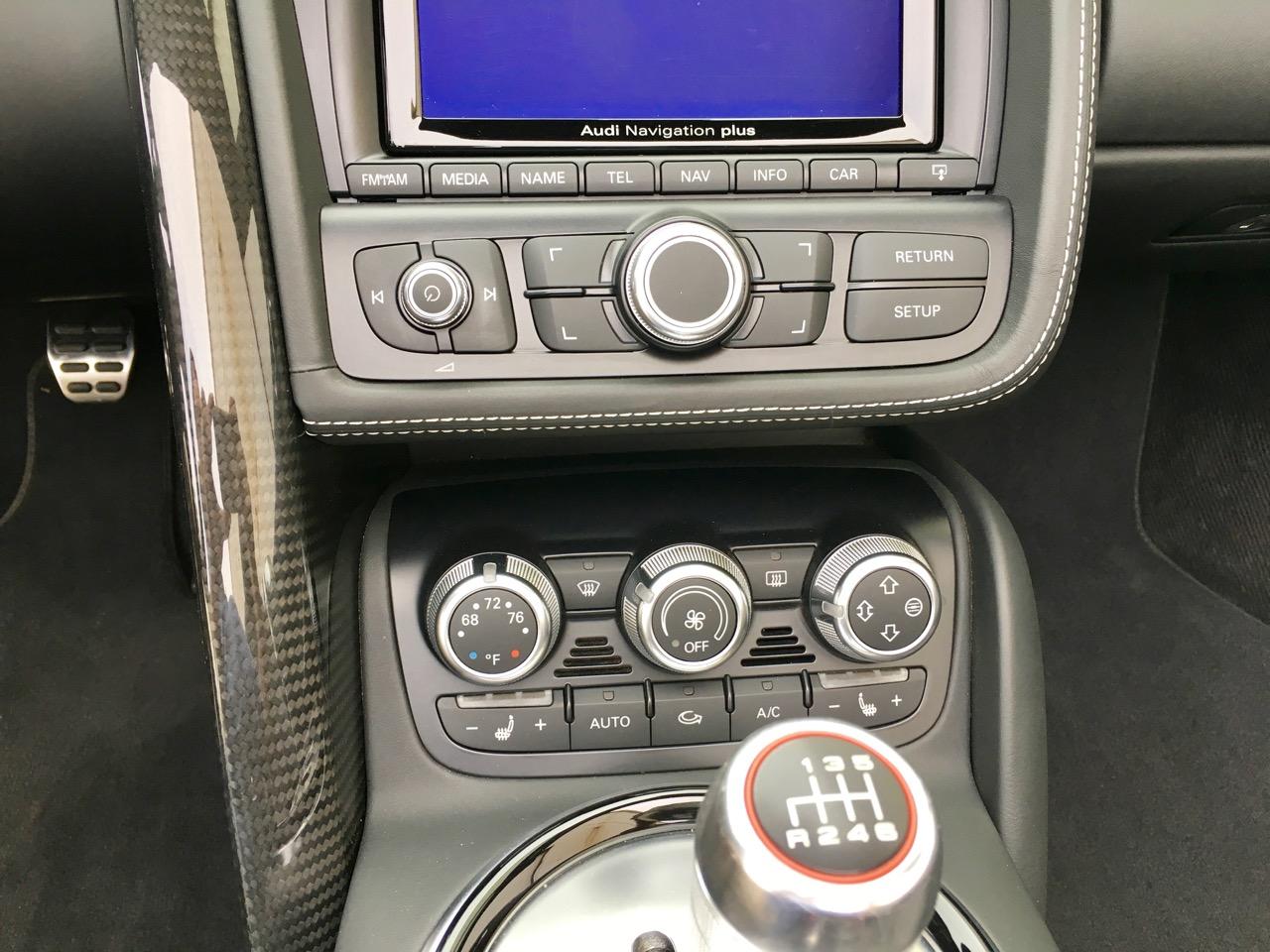 2014 Audi R8 Spyder (EN000164) - 24.jpg