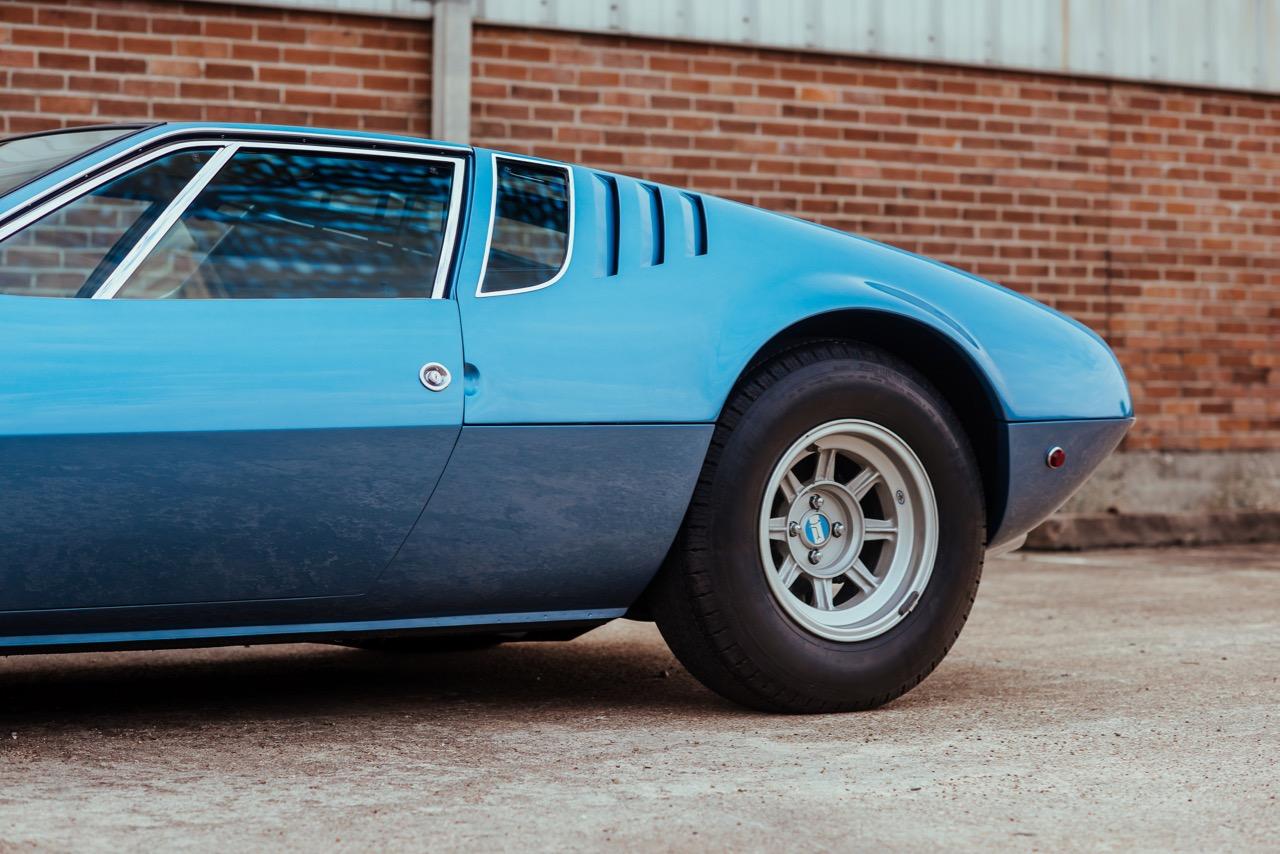 1969 De Tomaso Mangusta (8MA858) - 3.jpg