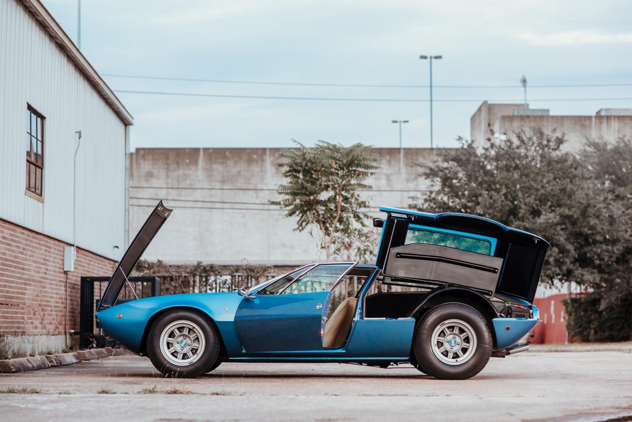1969 De Tomaso Mangusta (8MA858) - 4.jpg