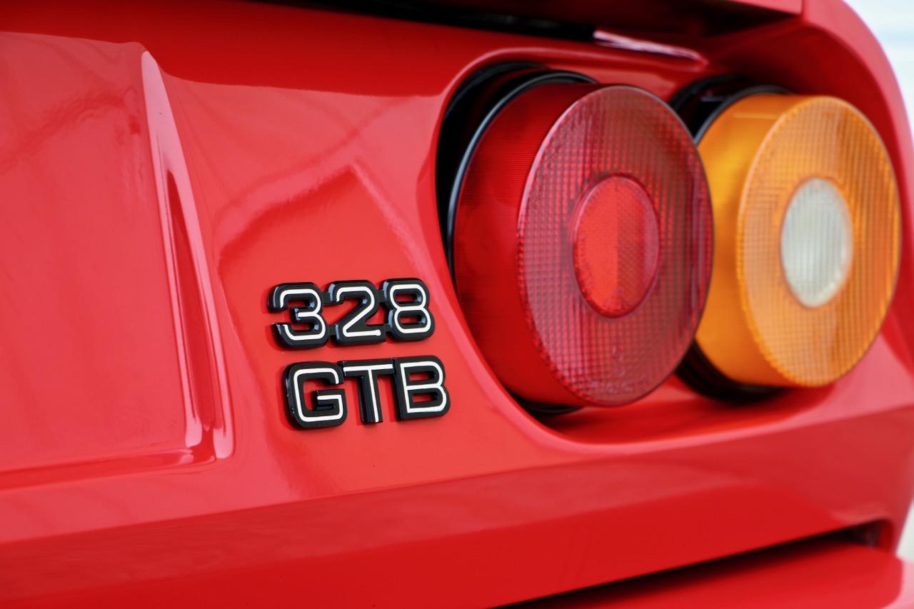 1988 Ferrari 328 GTB (77338) - 05.jpg