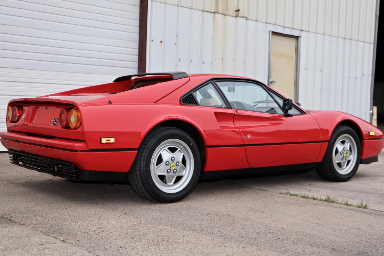 1988 Ferrari 328 GTB (77338) - 06.jpg