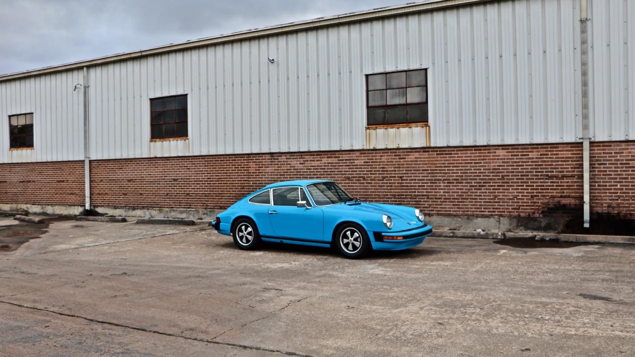 1974 Porsche 911 (9114102717) - 01.jpg
