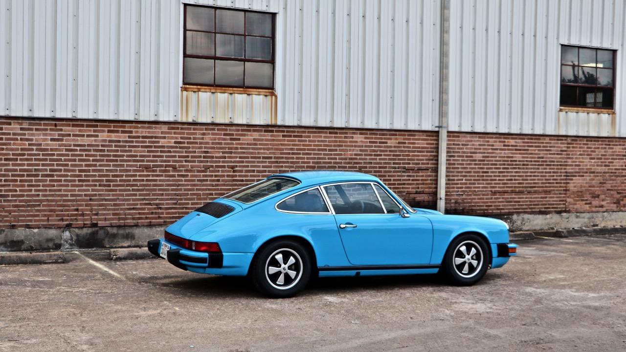 1974 Porsche 911 (9114102717) - 03.jpg