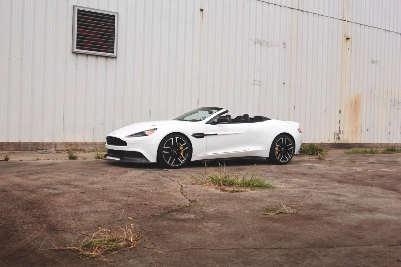 2015 Aston Martin Vanquish Volante Carbon Edition (FGK02448) - 13.jpg