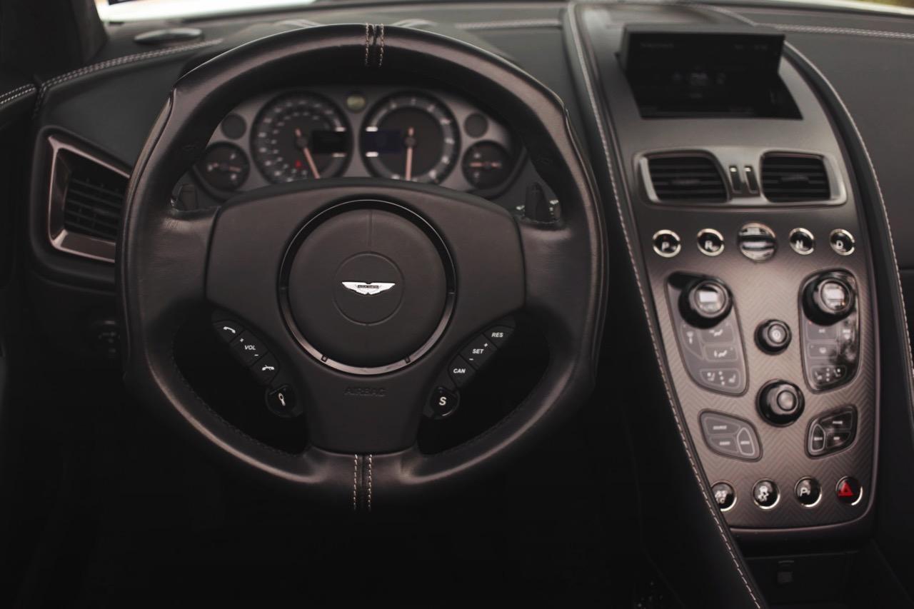 2015 Aston Martin Vanquish Volante Carbon Edition (FGK02448) - 16.jpg