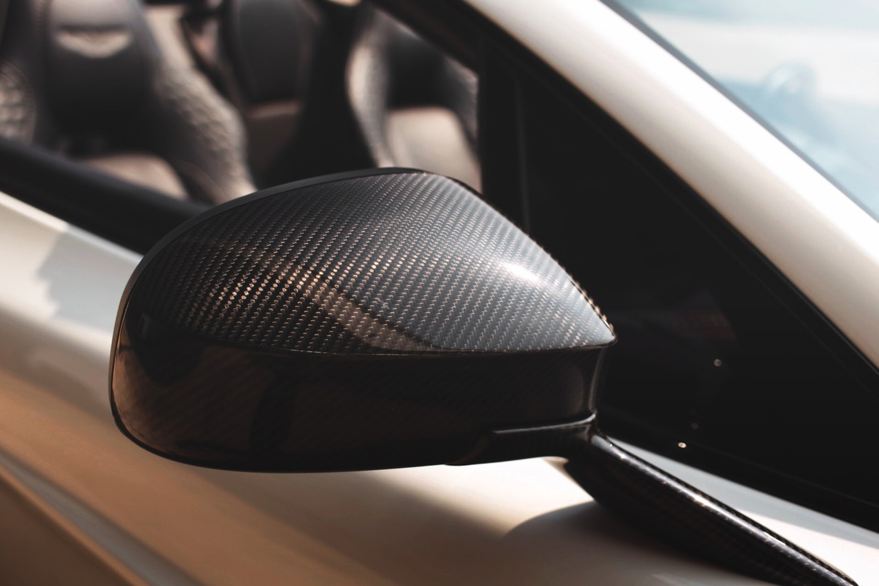 2015 Aston Martin Vanquish Volante Carbon Edition (FGK02448) - 23.jpg
