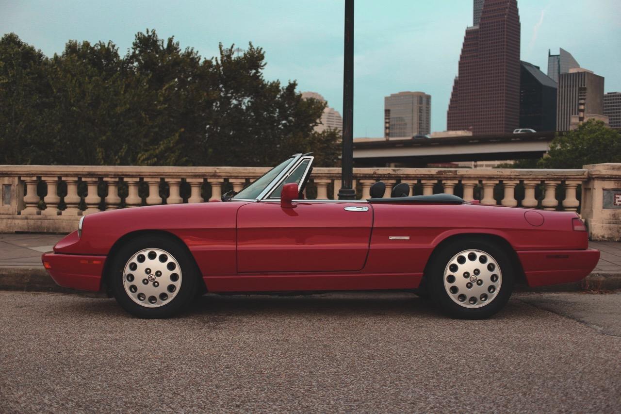 1992 Alfa Romeo Spider Veloce (N7005179) - 01.jpg