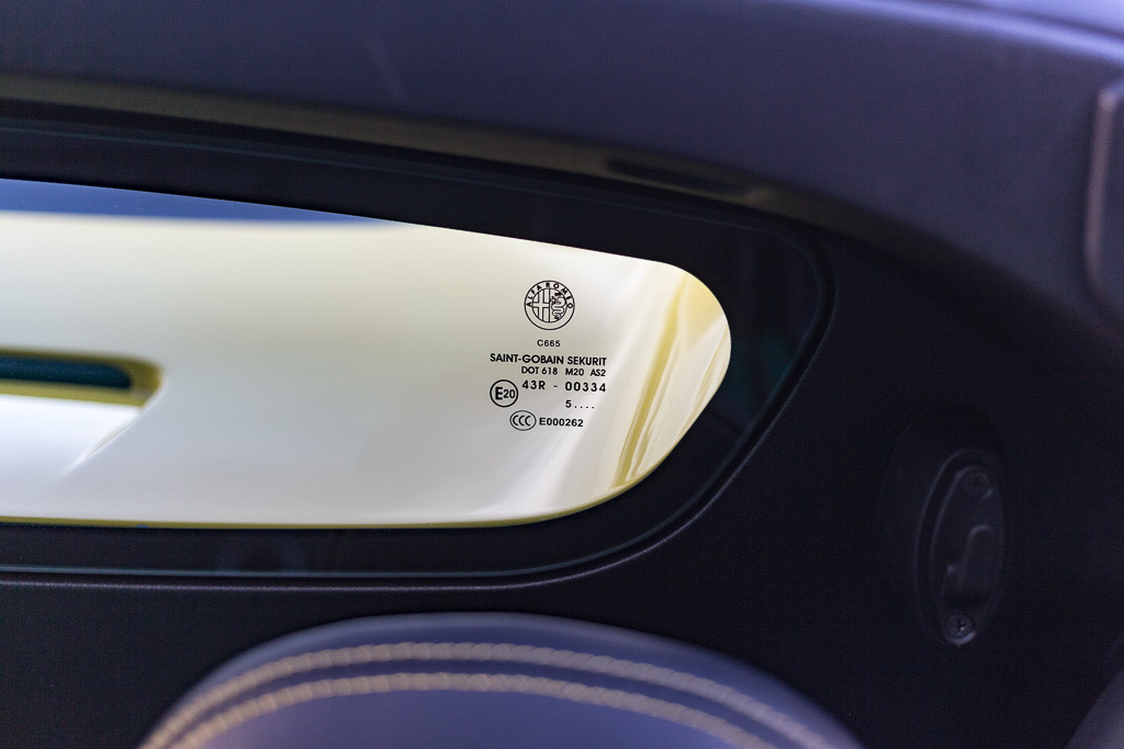2016 Alfa Romeo 4C Spider (GM181300) - 99.jpg