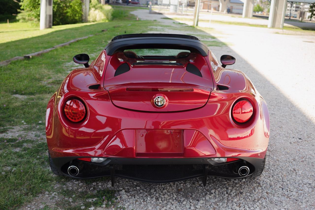 2016 Alfa Romeo 4C Spider (GM179731) - 09.jpg